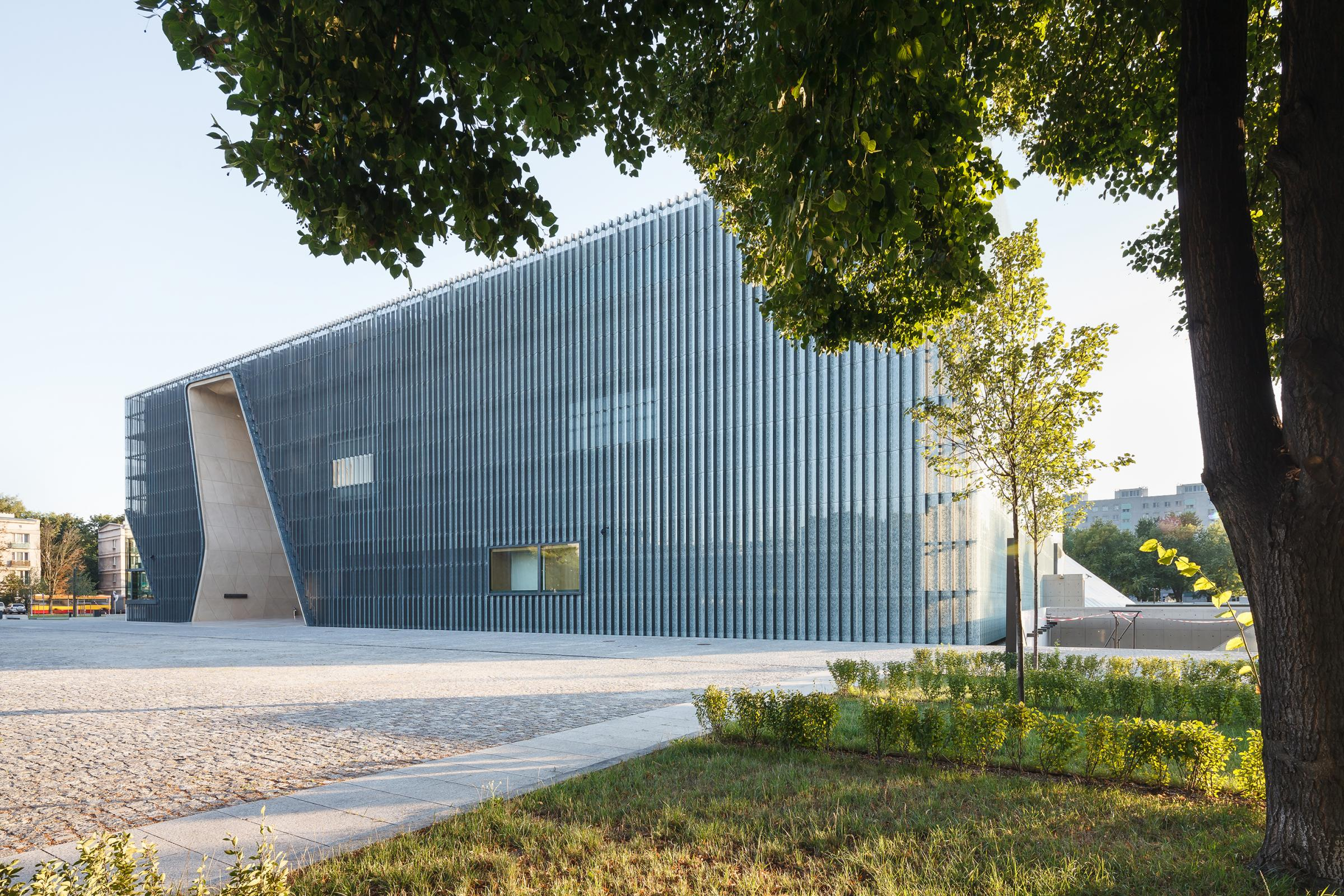 Photograph of POLIN Museum of the History of Polish Jews, designed by Lahdelma & Mahlamäki Architects and located in Warsaw, Poland
